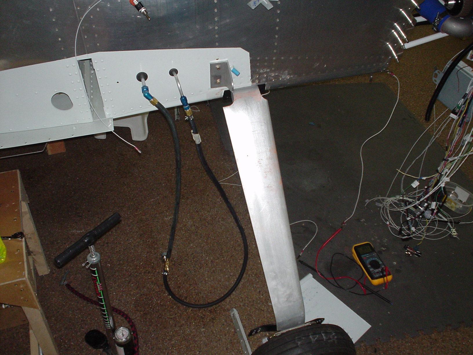 Mickey\'s RV8 Site | Fuel system pressure test